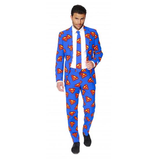 Heren kostuum met superman print. blauw pak voor heren met een all over superman print. het pak is gemaakt ...